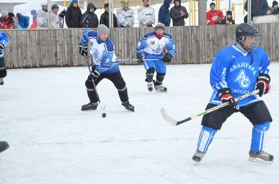 5 лютого на стадіоні «Дружба» відбувся турнір з хокею