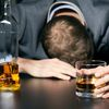 Алкогольні зриви: чому відбуваються і як уникнути