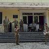 Військові співали на ганку Міського Палацу культури