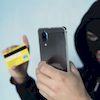 Незважаючи на численні попередження правоохоронців, мешканці Глухова та району продовжують потрапляти на гачок «псевдо банкірів» та поповнювати їх кишені власними коштами.