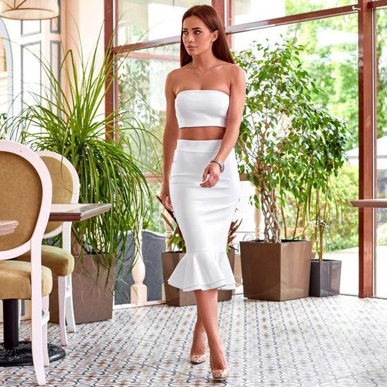 Белый костюм с юбкой